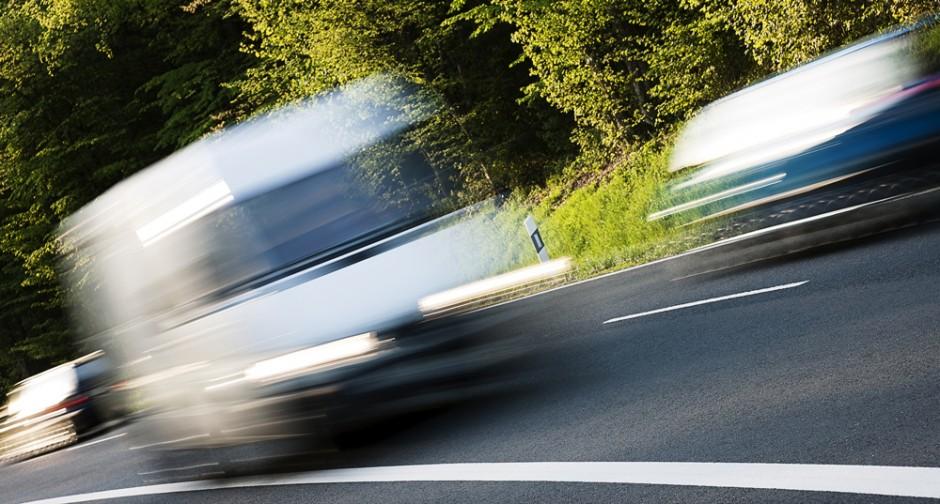 Speeding-Vans-Bad-Driver-Behaviour-Cost-Your-Fleet